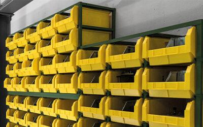 Scaffali modulari per contenitori in plastica: come usarli
